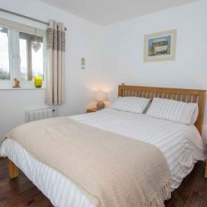 Master Bedroom Photo - Kokopelli Holiday Cottage in Sidmouth, Devon